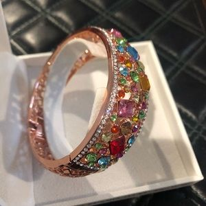 Jewelry - Rose gold & sapphires bangle bracelet comes w box